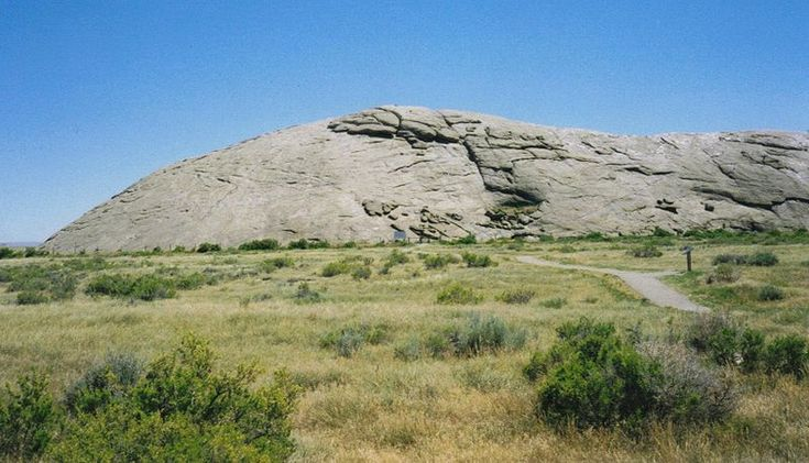 Fileindependence rock is a site along the mormon trail