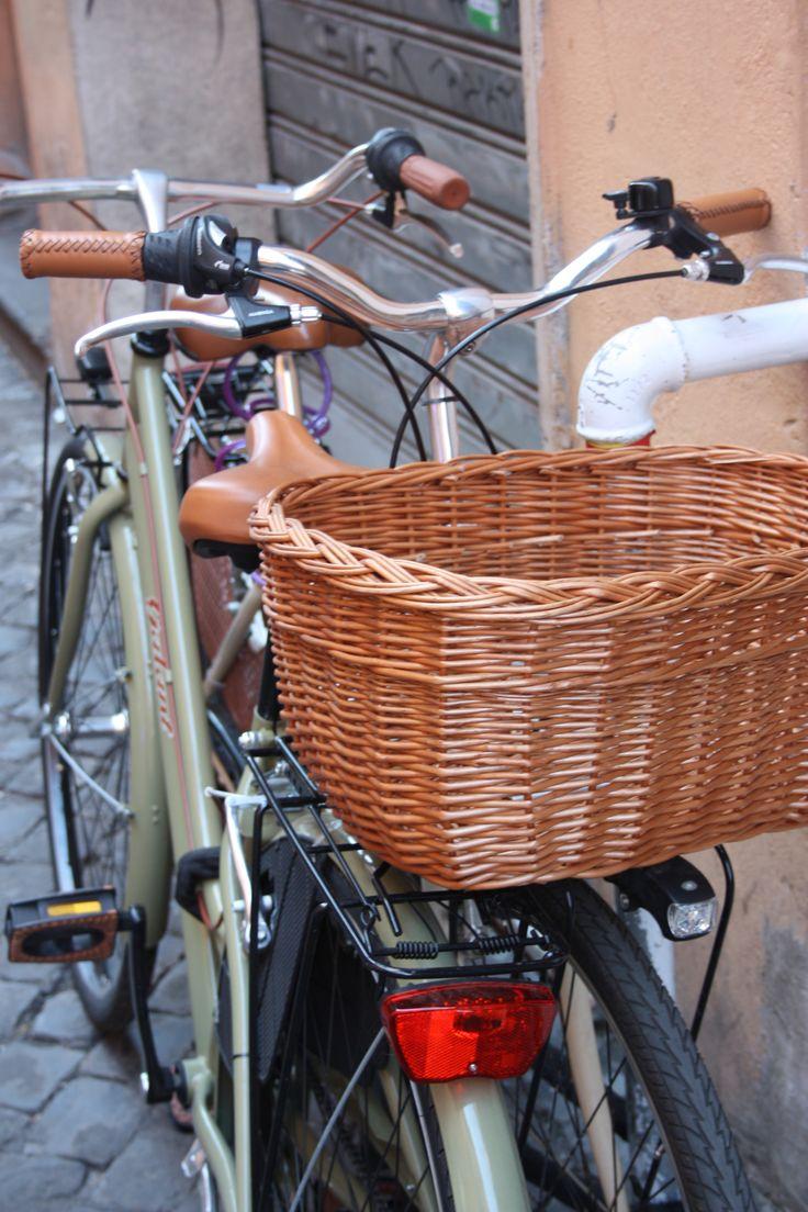 #Bicycles #Rome #trastevere #basket #Street #bikes