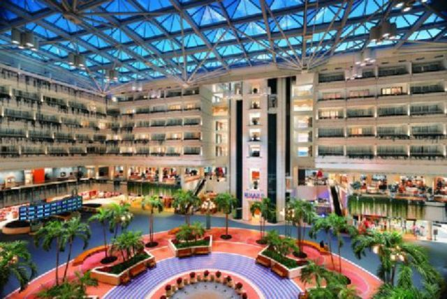 Sailing out of Port Canaveral, Florida? The Hyatt Regency Orlando International Airport offers a tremendously convenient place to spend the night before your cruise departs.