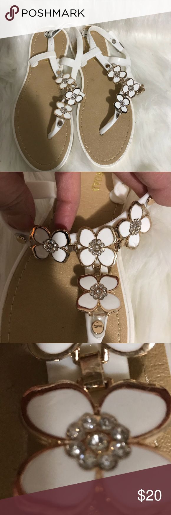 Very Pretty white and gold flower sandals. 7 Very Pretty white and gold flower sandals. 7 Shoes Sandals