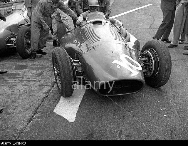 #10 Umberto Maglioli (I) - Ferrari 553 (Ferrari 4) 8 (11) Scuderia Ferrari
