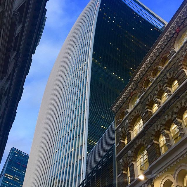 It is finally getting warmer in london and there is a lot more blue sky. I never tire of the new and old london architecture - here's 20 Fenchurch street or for londoner's the walkie talkie