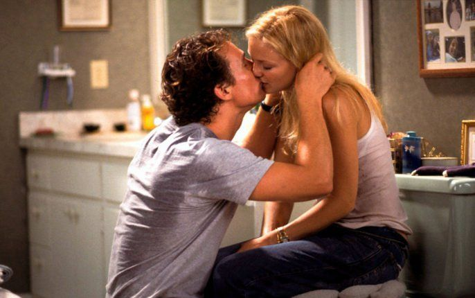 Pin for Later: The Best Movie Kisses of All Time How to Lose a Guy in 10 Days Both of them are putting on a bit of a show, but this sweet kiss between Ben (Matthew McConaughey) and Andie (Kate Hudson) is all real.