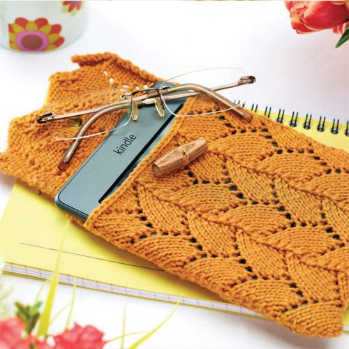 This cosy made from Artesano yarn will keep your Kindle safe and secure in style