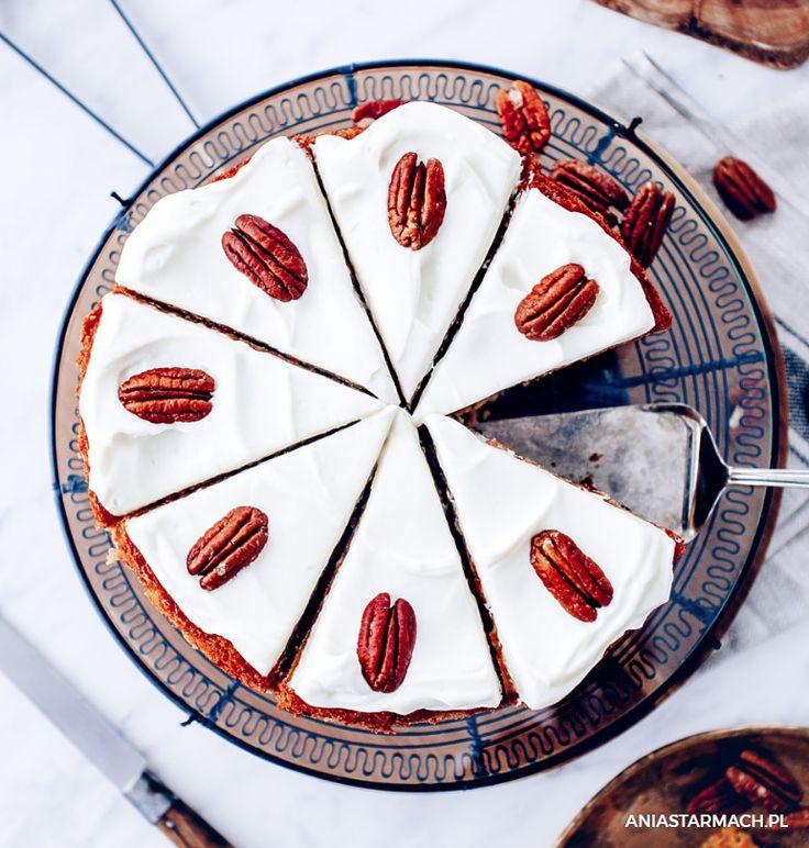 Pyszne, lekkie ciasto marchewkowe, najeżone bakaliami! – Ania Starmach
