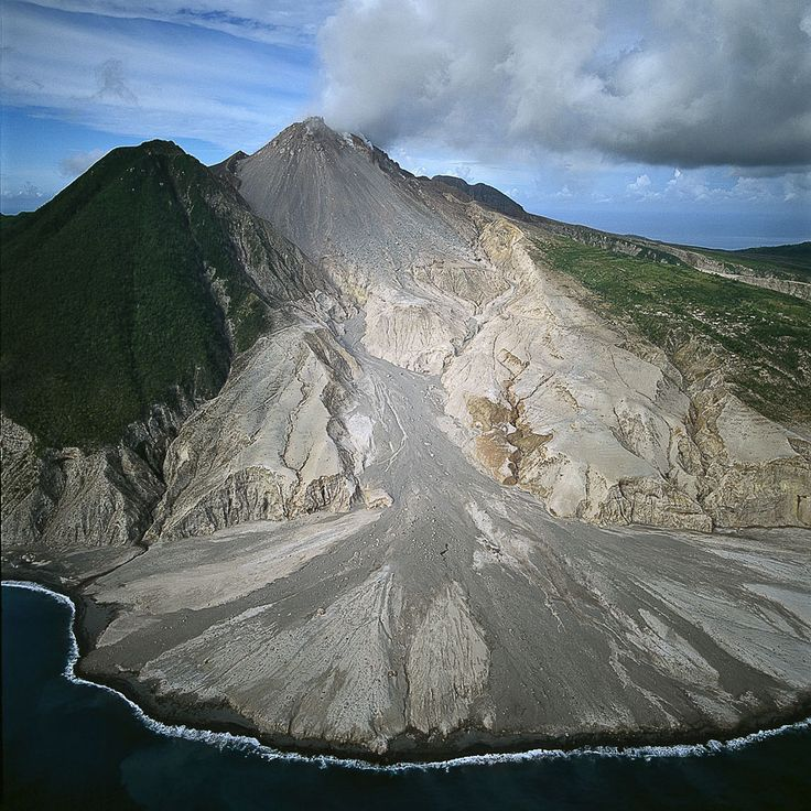 monsterrat volcano The island of montserrat has an active volcano and is part of a group of volcanic islands in the caribbean sea come learn about this volcano.