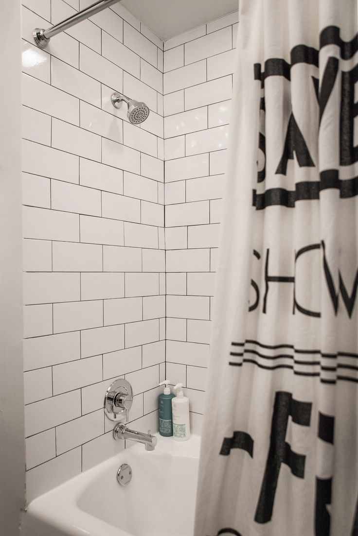 Tadelakt bathroom made by amel kadic - Paint Colors That Match This Apartment Therapy Photo Sw 6223 Still Water Sw 6075