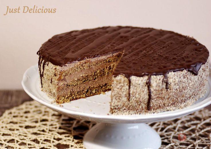 Pomarančovo-orechová torta s čokoládovým krémom