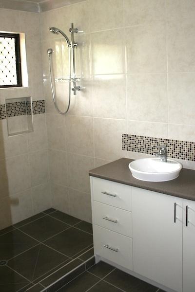 Best 25 bathroom renovations brisbane ideas on pinterest for Bathroom renovations brisbane