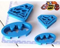 how to make a batman biscuit