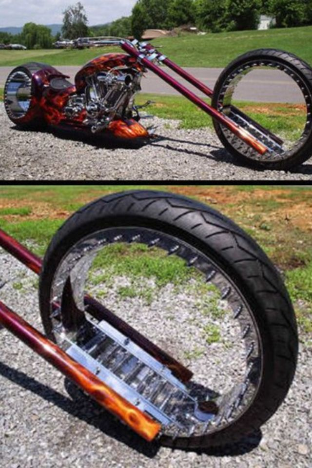 Long front forks - for 'forks sake ' it really stands out from boring 'same old same old ' traditionally styled motorbikes ✔️