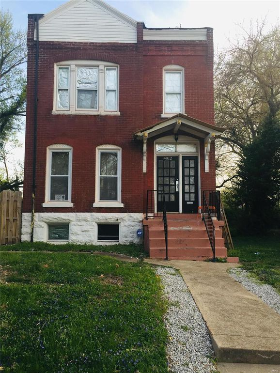 c.1888 Historic Brick House For Sale in St. Louis 35,500