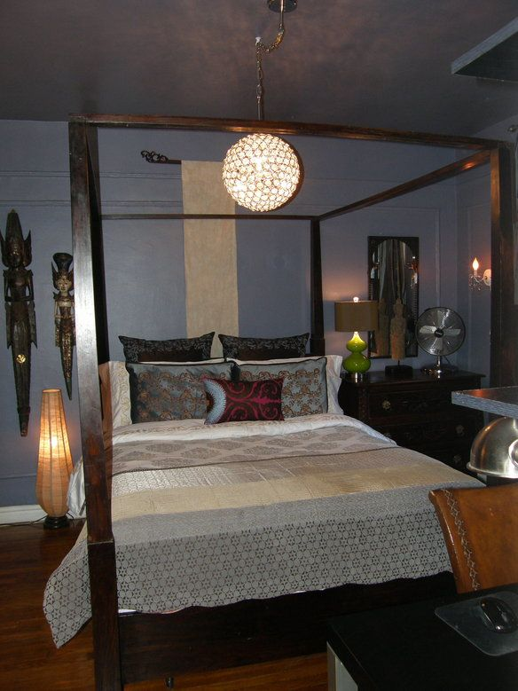 Queen Canopy Bed frame love the décor around it and love the light!