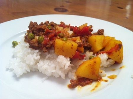 Pakistani Kima: A quick and easy ground beef curry dinner. Yummy!