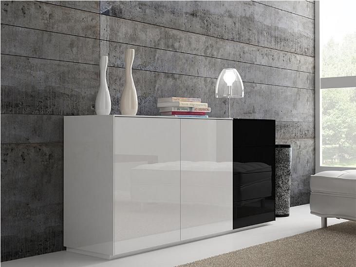 Galeria Wnętrz prezentuje piękną w swym modernistycznym minimalizmie komodę.