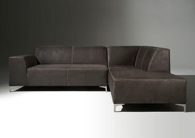 Moderne hoekbank Patrice in congo leer zwart met contrast naden 276x206cm direct leverbaar!