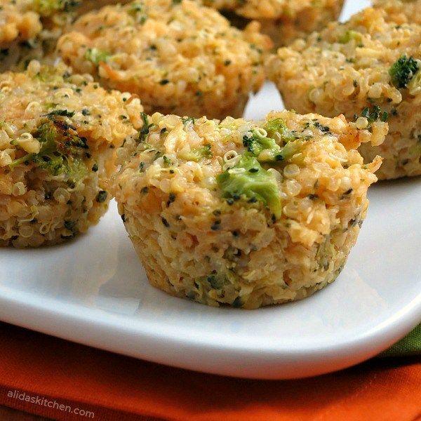 Cheddar del bróculi mordeduras de quinua |  alidaskitchen.com #recipes #glutenfree # EatA2ZRecipeChallenge.