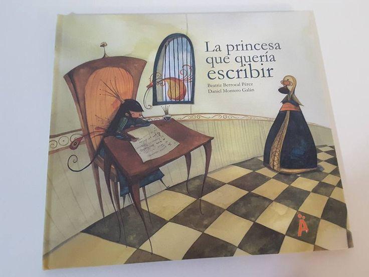Buenos días:    Hoy os traigo un libro muy bonito, que rompe completamente con los estereotipos de los cuentos de princesas.     ¿OS VENÍS A...
