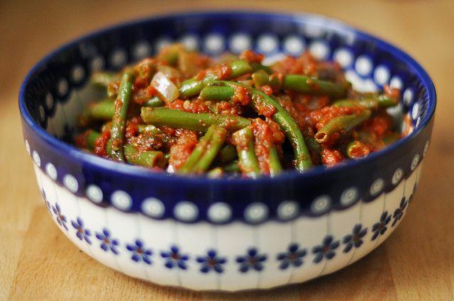 Grüne Bohnen in Tomatensauce [Fagiolini al pomodoro] (Low Carb Deutsch Rezepte)
