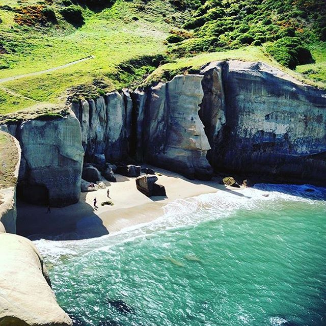Tunnel Beach, Dunedin, The South Island, New Zealand (by @megannjw)