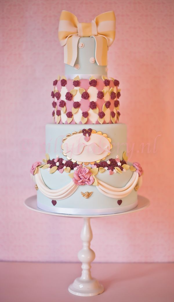 cute disney cartoon wedding cake