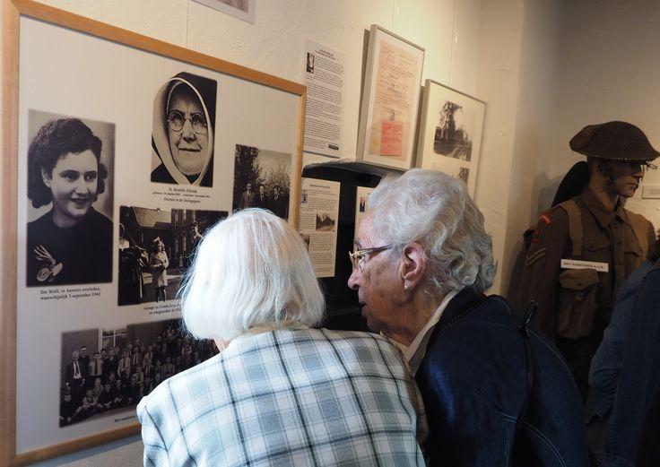 De tentoonstelling geeft een goed beeld van hoe het toen was.