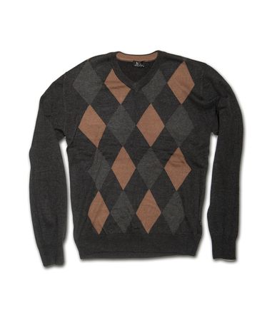 Ανδρική πλεκτή μπλούζα σε κανονική γραμμή με V λαιμό και κλασσικό σχέδιο. Η μπλούζα είναι διαθέσιμη σε γκρί χρώμα σε δύο διαφορετικά σχέδια με ρόμβους. Φορέστε τη στο γραφέιο αλλά και στη βόλτα για στιλάτες εμφανίσεις.
