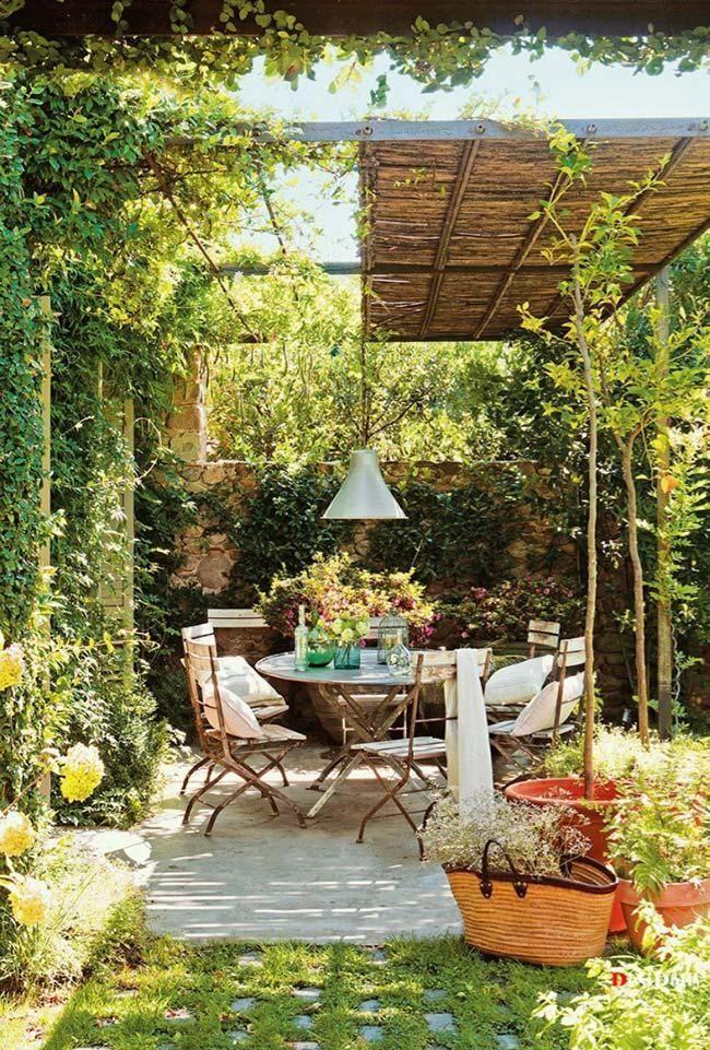 Jardim pequeno: 60 modelos e idéias de design inspiradoras   – sommerliche garten ideen | cremeguides.com