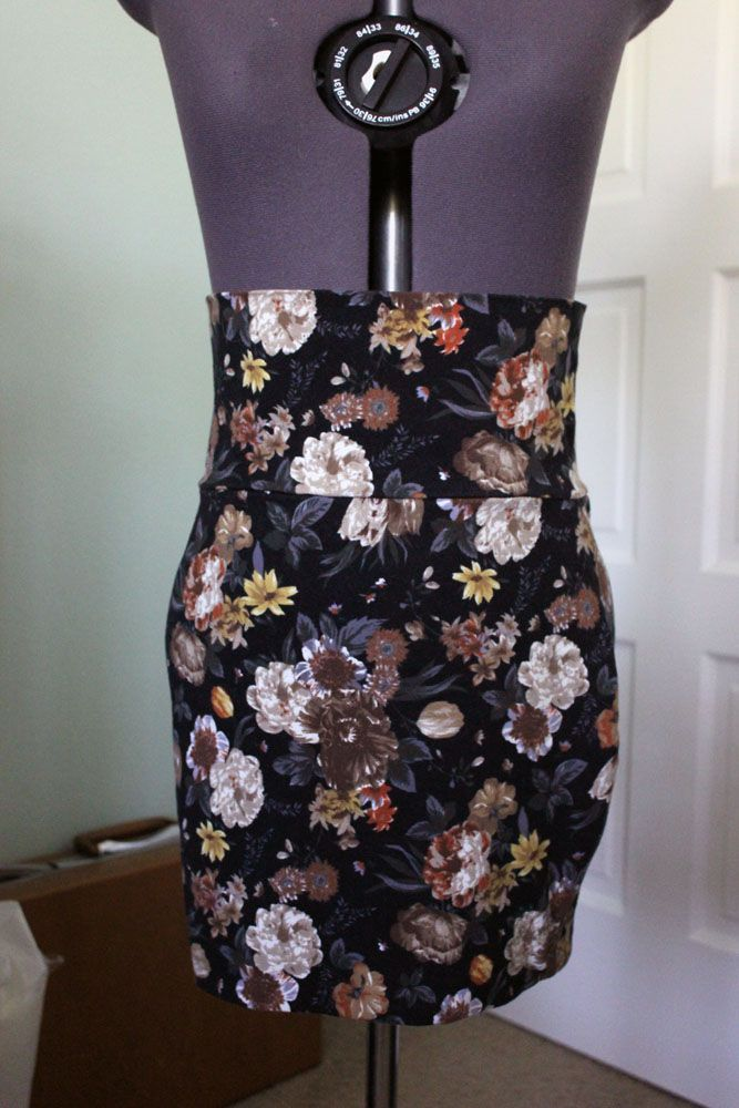 Bodycon midi skirt from Forever21 size small in a beautiful floral pattern. Sell for $10 shipped