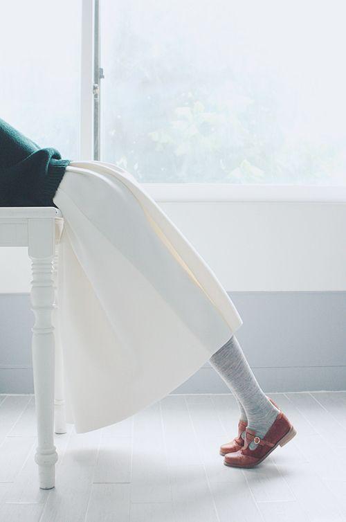 """《1回で足痩せ−3cm!》シュールなエガちゃんスタイル""""着圧レギンス入浴""""に挑戦ダッ♡ MERY [メリー]"""