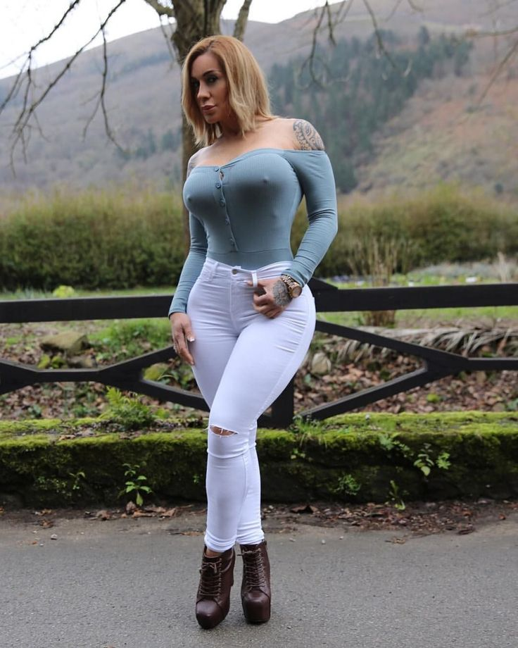 "56.2k Likes, 1,202 Comments - VIctoria Lomba Official (@victorialomba) on Instagram: ""Hello Cold Days!. @fashionnova . #NovaBabe"""