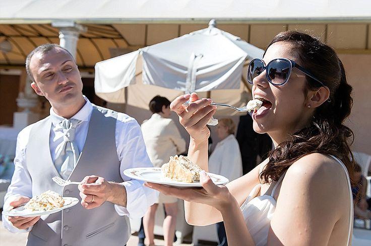 Sposa con occhialoni da sole | Bride with big sunglasses