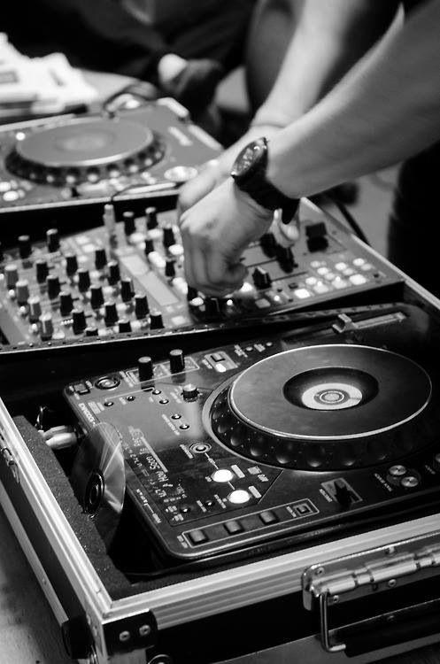 Veel kinderen tussen de 16-24 jaar gaan steeds vaker zelf muziek produceren.