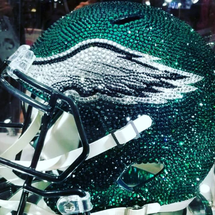 Throwback Thursday to the Eagles first ever Superbowl victory! With chips in place this unit has the talent to repeat. Sure up the defense and you have a powerhouse!! #philadelphiaeagles #eagles #champions #superbowl52 #repeat #powerhouse #philadelphia #brotherlylove #nfceast #battle #flyeaglesfly #pepespicks