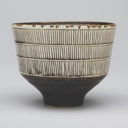 Lucie Rie - Footed Bowl