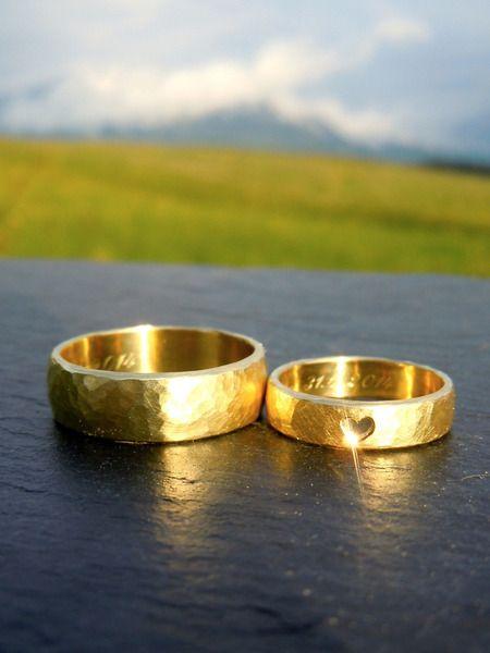 Trauringe-Eheringe *Mein Herz* Gold - gehämmert von MARLUNA - Individuelle Trauringe und Schmuck auf DaWanda.com