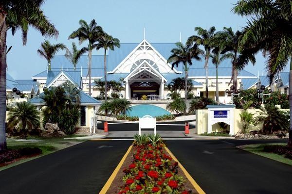 Magdalena Grand Beach Resort, Scarborough - Compare Ofertas