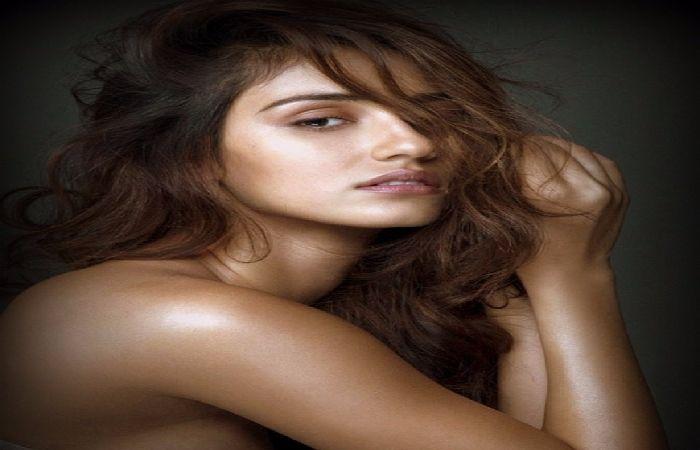 #DishaPatani Topless Photoshoot for Dabboo Ratnani's Calendar is Speechless!