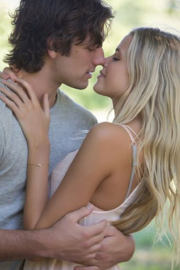 Trailer for Endless Love starring Gabriella Wilde and Alex Pettyfer