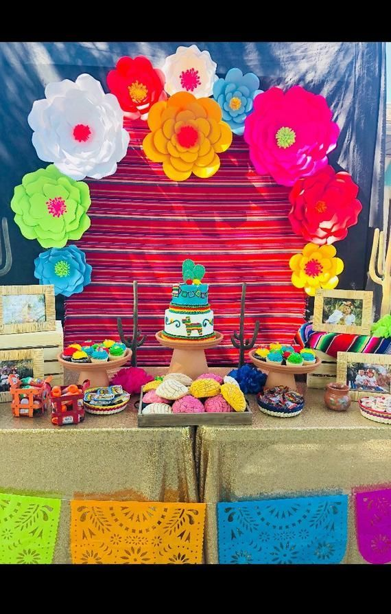 Fiesta Party Paper Flower Backdrop For Party Decor Wall Decor Cake Table Decor Mexican Fiesta Decor Paper Flowers Flores De Papel In 2020 Mexican Party Decorations Mexican Birthday Parties Fiesta Decorations