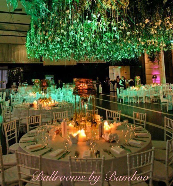 Nunta in culoarea anului 2017: greenery! Iata imagini de la evenimentul Ballrooms by Bamboo, decorat in tonuri de verde! Foarte fresh, proaspat, cu decoratiuni florale naturale, intregul setup a avut un impact vizual deosebit!  Apeleaza la Ballrooms by Bamboo si transformam orice vis in realitate!  0724322189/0724247163 office@ballroomsbybamboo.ro
