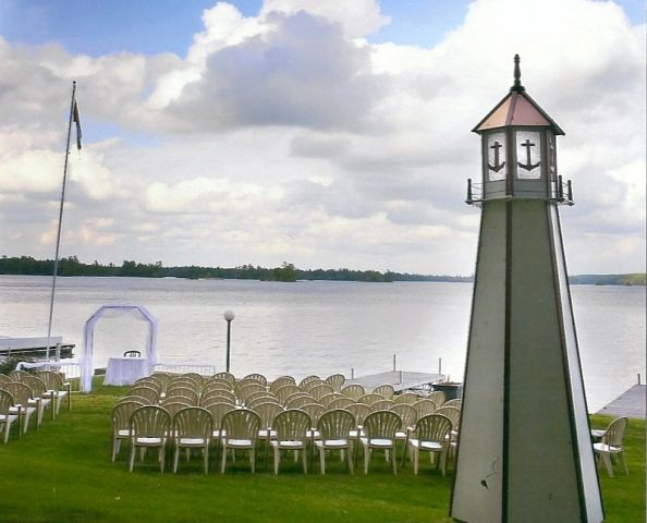 The resort stretches along 1400 ft of shoreline. Our spacious lawns and giant trees offer excellent locations for ceremonies and photographs.  #lakesideceremony #weddings
