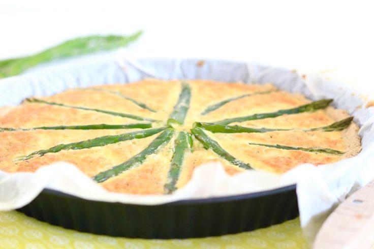Yes, het is alweer bijna aspergetijd! Dat betekent dat we weer volop kunnen variëren met aspergerecepten: salade met asperges, spaghetti met asperges, asperges