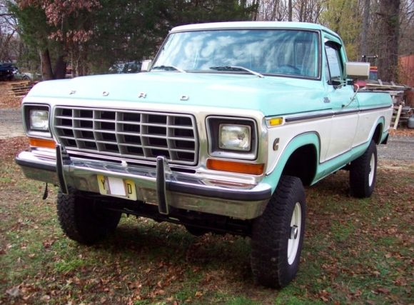 Cummins-Powered 1978 Ford F250 Ranger 4×4. Love this body style, but not to fond of this color