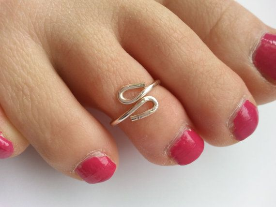 Simple Summer Toe Ring by uniquehats09 on Etsy