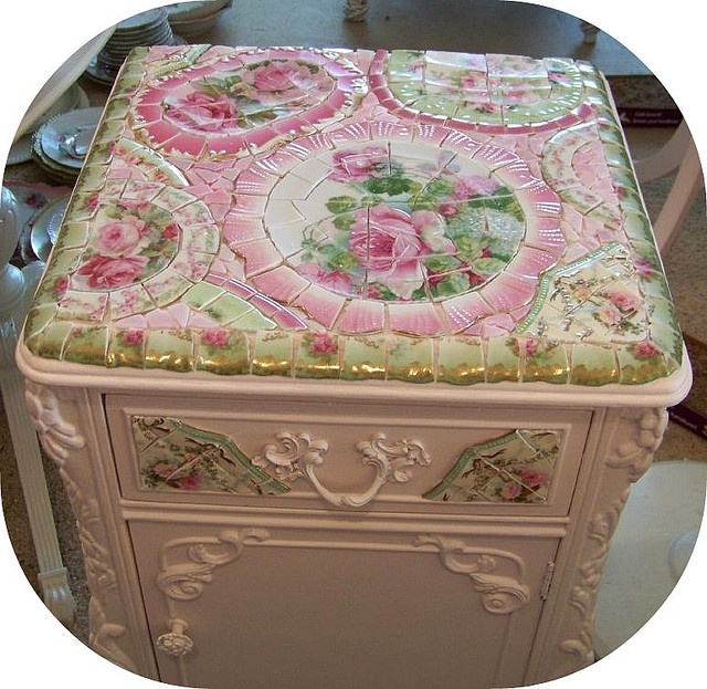 pink  cabinet,love the details