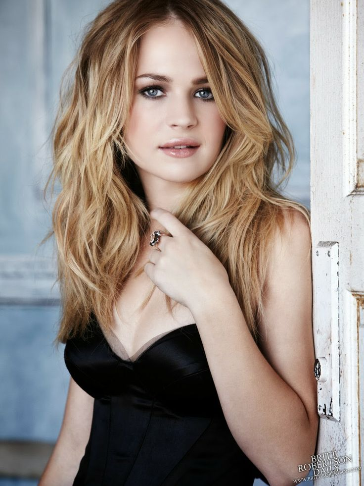 :::: Luv to Look ::: 'Cuz there's beauty in everything: Gorgeous Britt Robertson