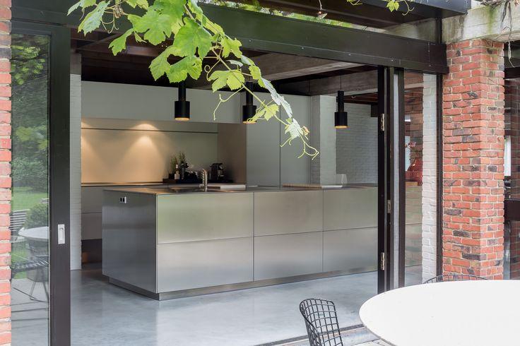 bulthaup - b3 keuken - inox - realisatie door k vorm - photo < cafeine.be >