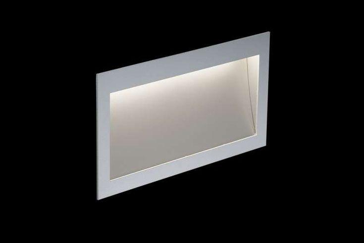 Die Nimbus Zen In M Long Power Wandeinbauleuchte zeichnet sich neben der LED.next Lichttechnik insbesondere durch ihre Materialsprache aus. Die Leuchte gehört zu der Zen Familie. Das Gehäuse aus natureloxiertem Aluminiumunter...