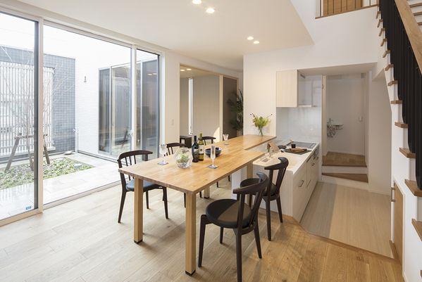 I型キッチンを使った対面キッチンの施工例をご紹介します 対面キッチンの様々なレイアウトをお見せします Ietateyo I型キッチン 対面 キッチン キッチン